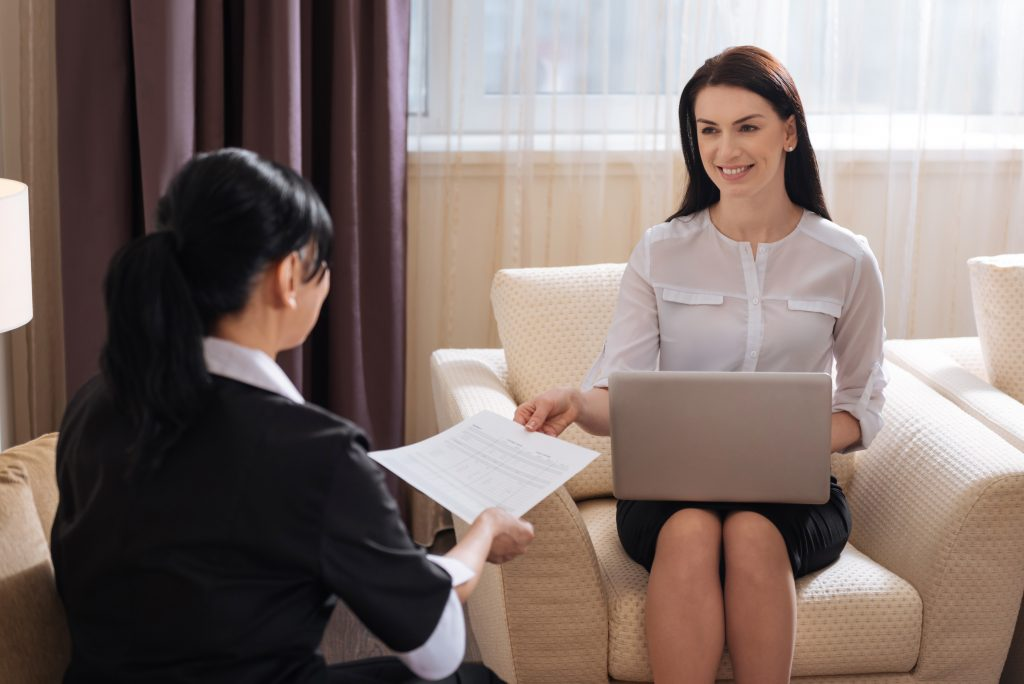 Hiring a Private Housekeeper for Your Home